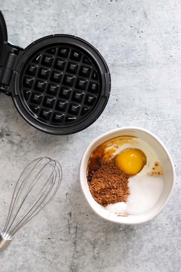 ingredients shown for oreo chaffle