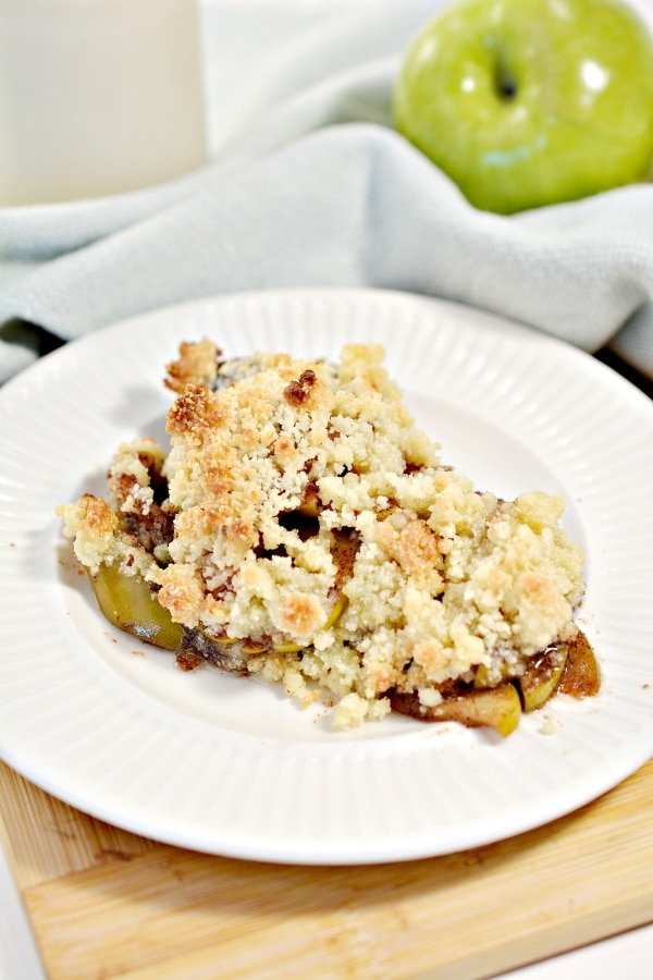 close up of a serving of low carb apple crisp on a plate