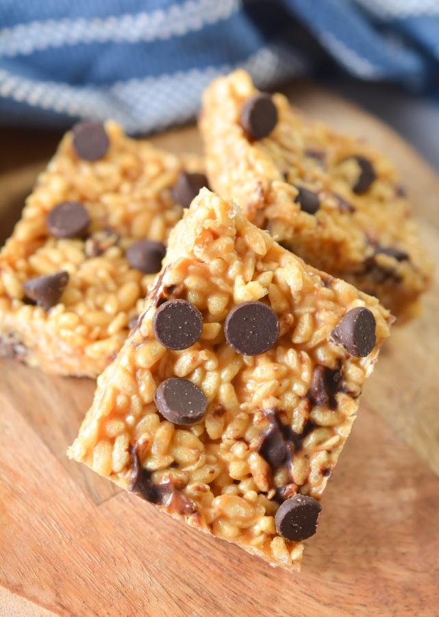 close up shot of keto peanut butter rice krispies